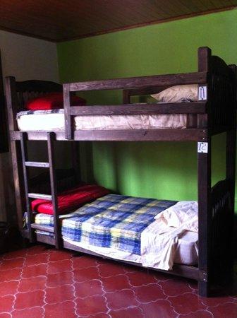 Hostal Luna Nueva: dormitorio - dorm