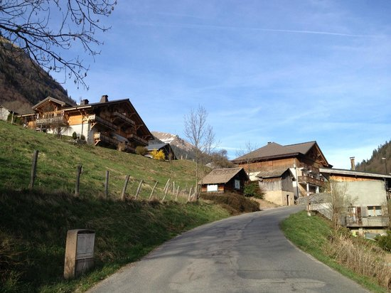 AliKats Mountain Holidays - Ferme a Jules: Hotel is top left on pic.