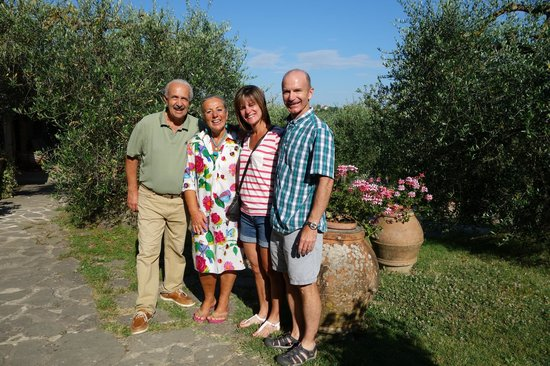 Frances' Lodge Relais: Our friends in Sienna!