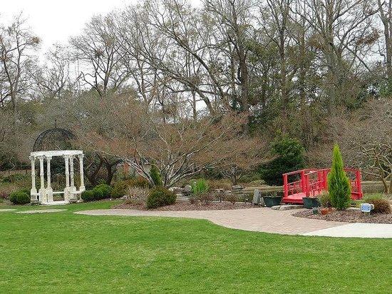 New Hanover County Arboretum: gardens