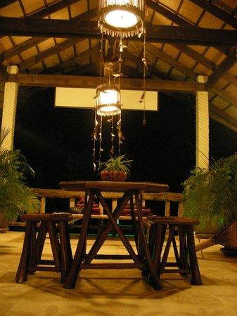 The Mangrove Hideaway Koh Chang: la zona relax di sera