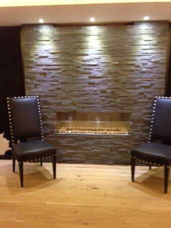 DoubleTree by Hilton London Greenwich : Lounge floor -1