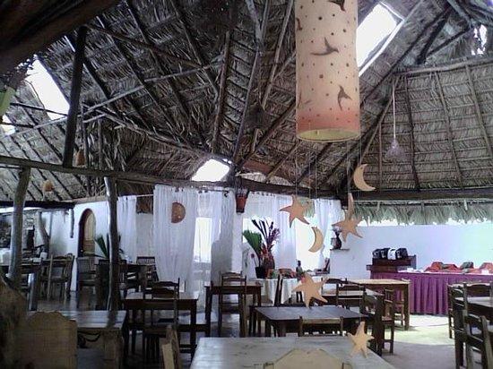 Cariblue Beach & Jungle Resort: Comedor