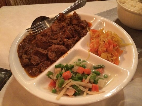 srikandi: Meat Lovers menu - spicy beef, mixed vegetables, rice.