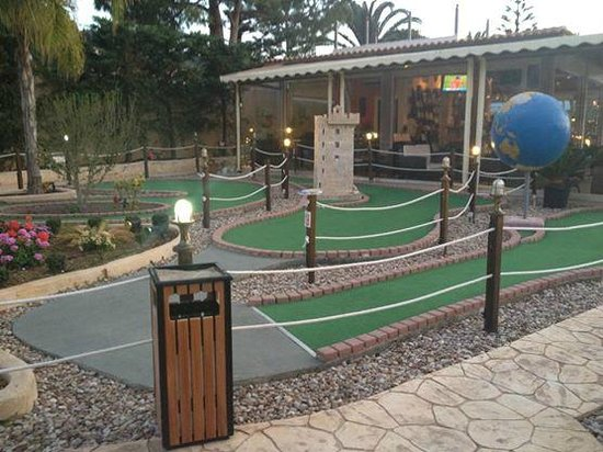 Katerina Palace Hotel : Crazy golf