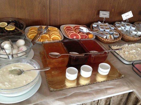 Aldem Hotel: Breakfast