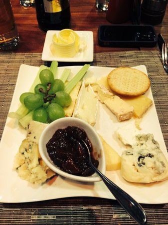 Casa Hotel: Cheeseeeeeee!!!! :-) very scrumptious!!! Xxx