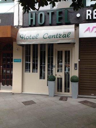 Hotel Central: entrada del hotel