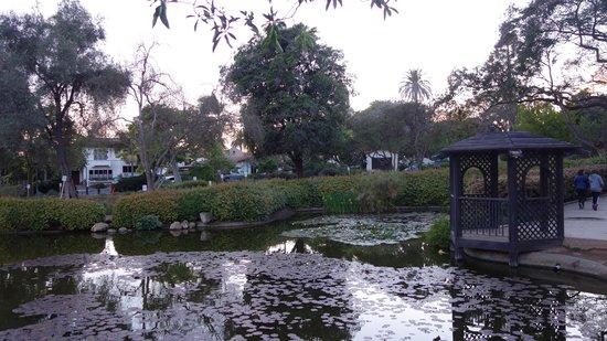 La Quinta Inn & Suites Santa Barbara Downtown: Park a block away