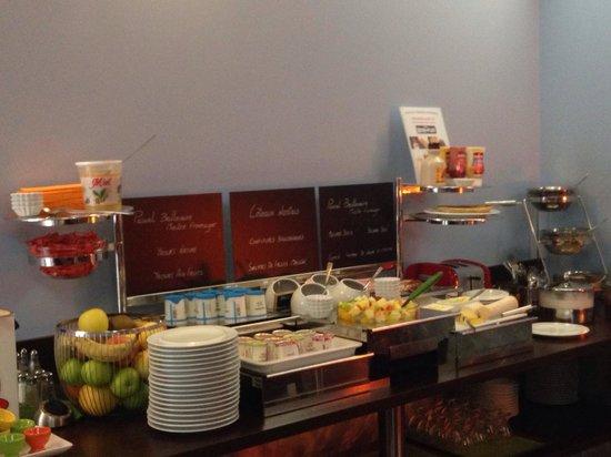 Hotel Nantes Centre Passage Pommeraye: Petit déjeuner : tout ce qui est proposé est frais et de très bonne qualité. Possibilité de dema