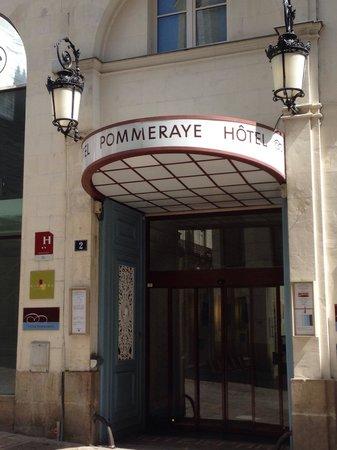 Hotel Nantes Centre Passage Pommeraye: Dès l'entrée de l'hôtel, le charme opère !