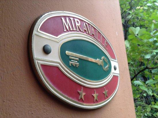 Miravalle Hotel: L'ingresso dell'hotel