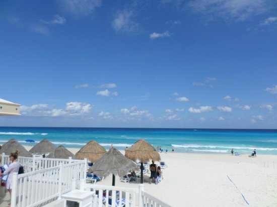Golden Parnassus Resort & Spa : The beautiful beach