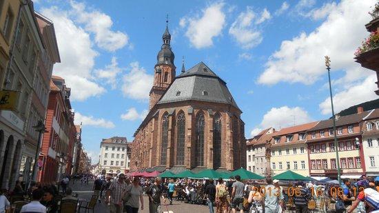 Market Square (Marktplatz) : Vista mercado y la catedral
