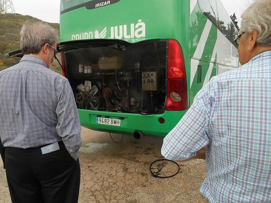 Julià Travel Costa Del Sol: When the bus broke down, a new bus was dispatched, we waited about an hour.