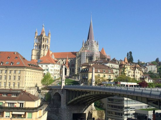 Swiss Wine Hotel & Bar: Lausanne Notre Dame Cathedral - view from my room