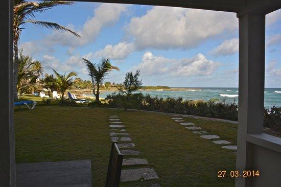 Ocean Spray Beach Apartments: dalla camera