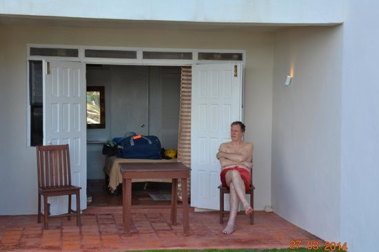 Ocean Spray Beach Apartments: il patio
