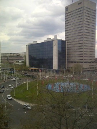 Hilton Rotterdam: View of the Roud a bout
