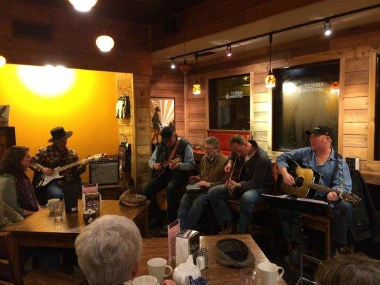 Harvest Coffeehouse: Jam night at the Harvest