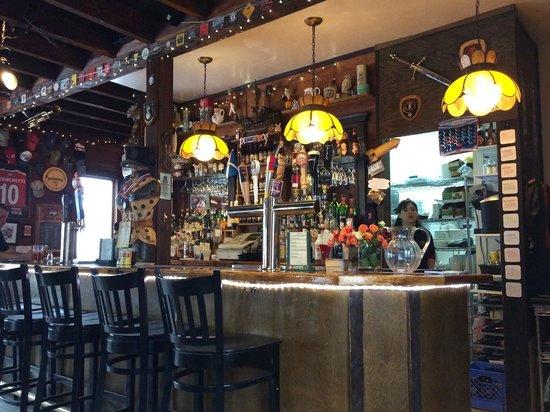 MacLaomainn's Scottish Pub: A well stocked Bar