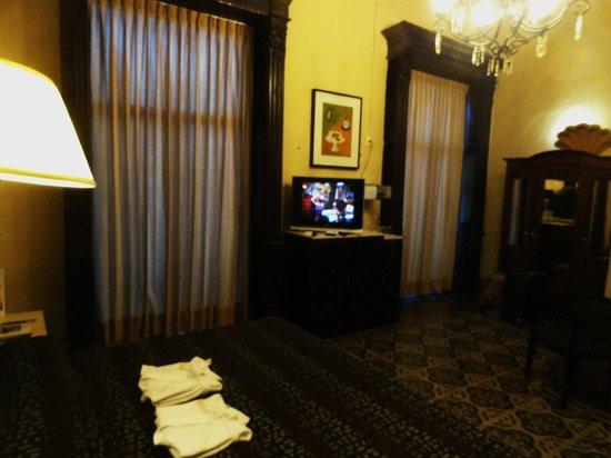 Gran Hotel de Merida : amplia habitacion