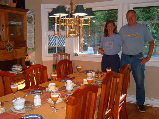 Gull Cottage Bed & Breakfast: The Breakfast Room