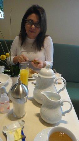 Hotel Maximilian: Café da manhã