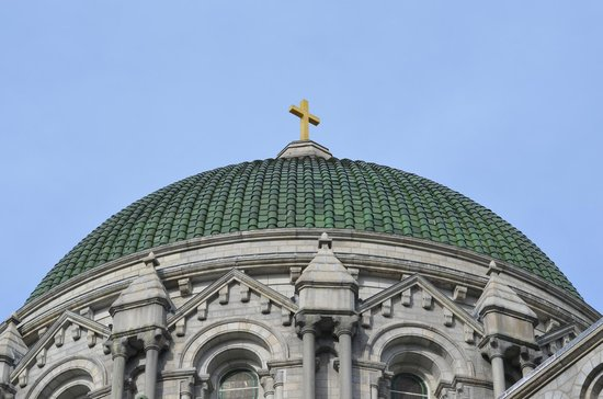 Cathedral Basilica of Saint Louis : The outside of the dome