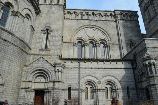 Cathedral Basilica of Saint Louis : Beautiful building