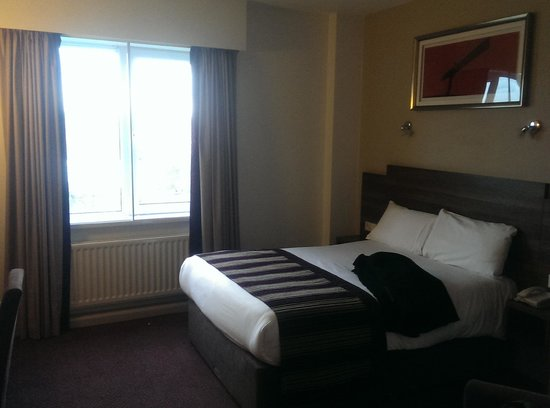 Jurys Inn Newcastle: Bedroom