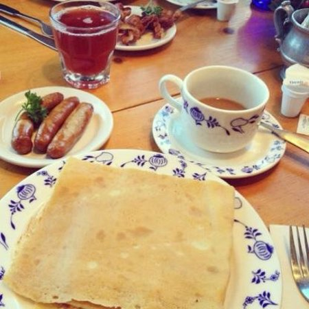 Al Johnson's Swedish Restaurant & Butik: Swedish pancakes
