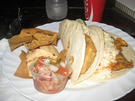 Thirsty Turtle Bar and Grill: fish tacos