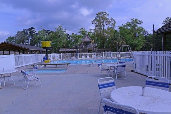 Baton Rouge KOA : Pool