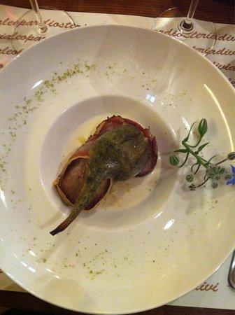 Osteria Via Leopardi: Medaglioni di maiale con carciofo e salsa al gorgonzola.