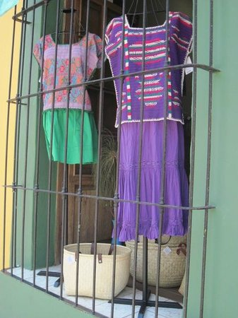 Bed & Breakfast at the Oaxaca Learning Center : Spring fashions Oaxaca
