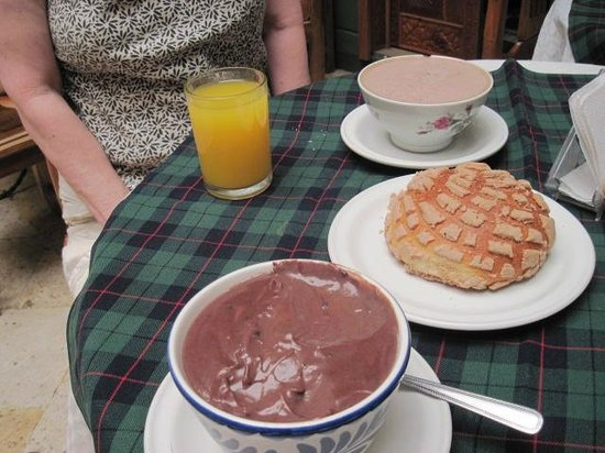 Bed & Breakfast at the Oaxaca Learning Center : Chocolate Espanole at the Chocolate Hotel in Oaxaca