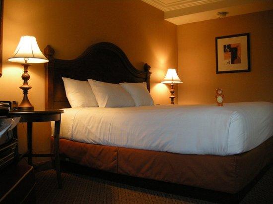 Hyatt Regency Valencia: Comfy bed