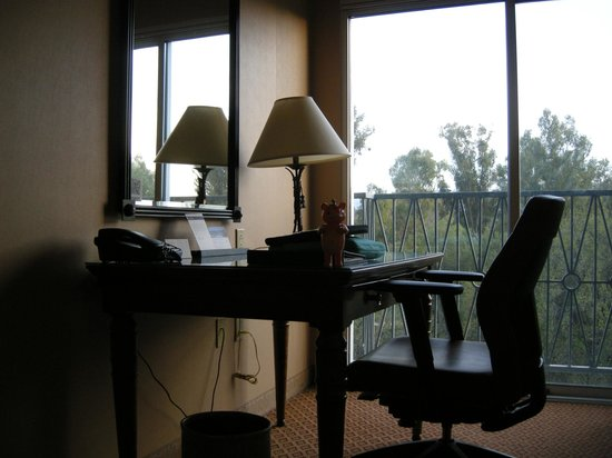 Hyatt Regency Valencia: Desk