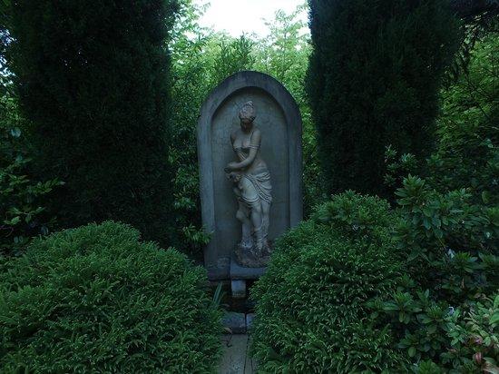 Magical Manderley: Garden