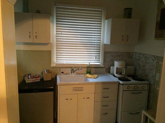 Alpine Inn: kitchen