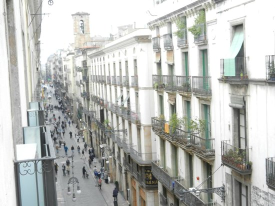 MH Apartments Opera Rambla : View from room down Ferran Street to the east