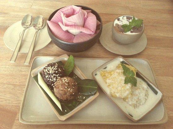 Kaya Cafe: Khmer Desserts