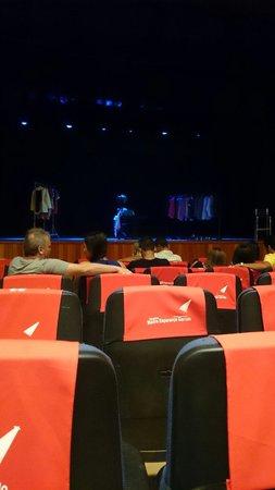 Teatro Madre Esperanca Garrido