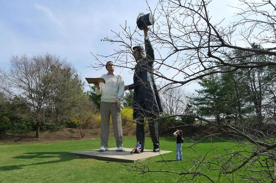 The Oeuvre Of Seward Johnson Picture Of Grounds For