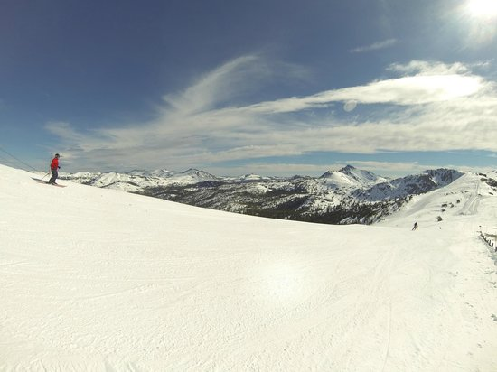 Kirkwood Mountain Resort: only a few people on the runs