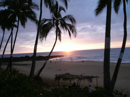 Ke Iki Beach Bungalows : last night sunset
