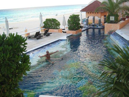 Mía Cancún: cool pool