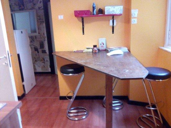 Volturno House Rome : Esta es la recepción, pasillo, cocina y comedor....this is the reception, living room, corridor,