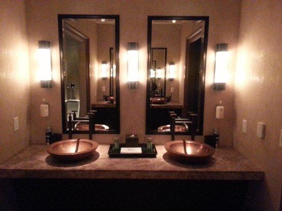 Salamander Resort & Spa: Spa men's room